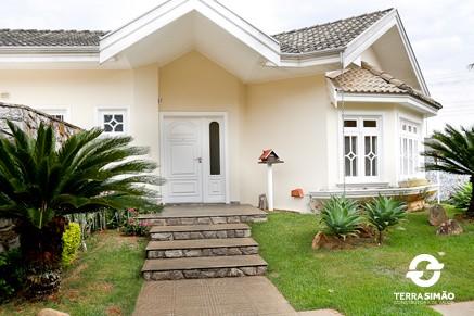 Confira alguns terrenos e imóveis à venda pela Terra Simão